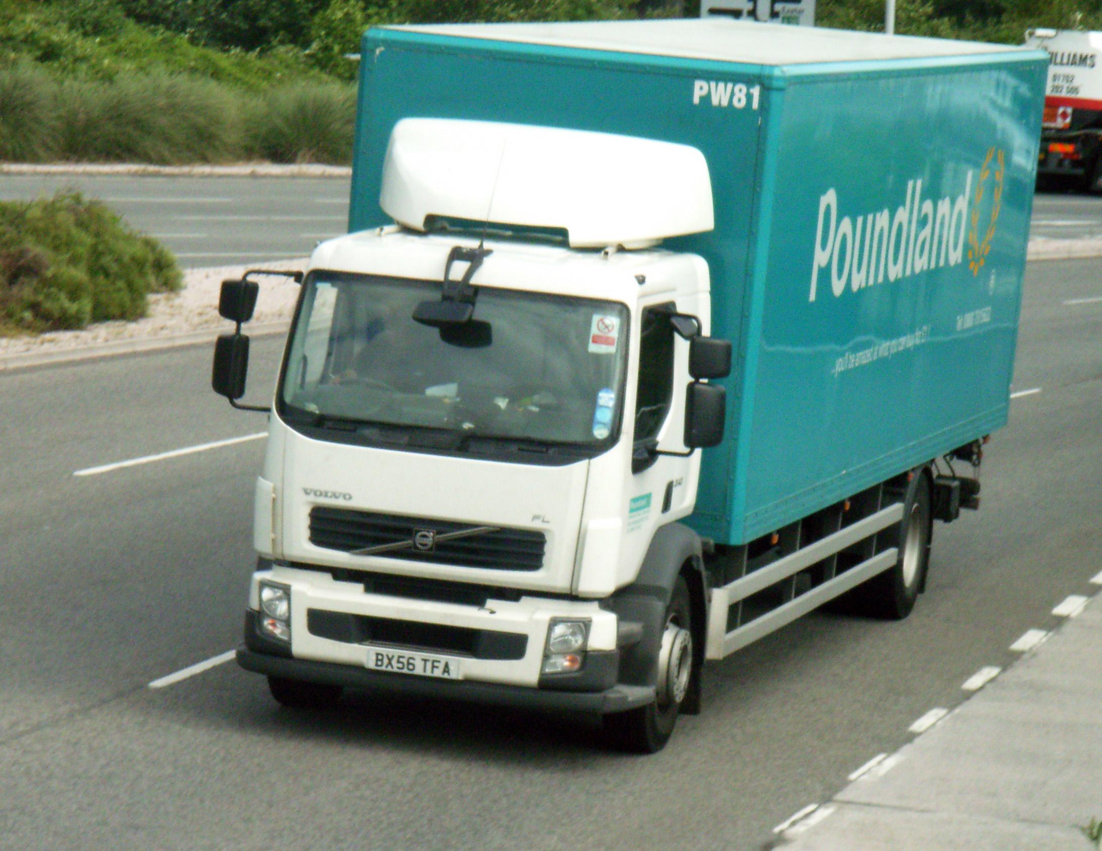 File Poundland Volvo Truck Jpg Wikimedia Commons