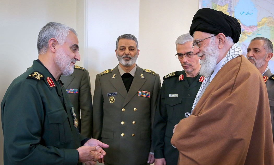 Qasem Soleimani received Zolfaghar Order from Ali Khamenei 2.jpg