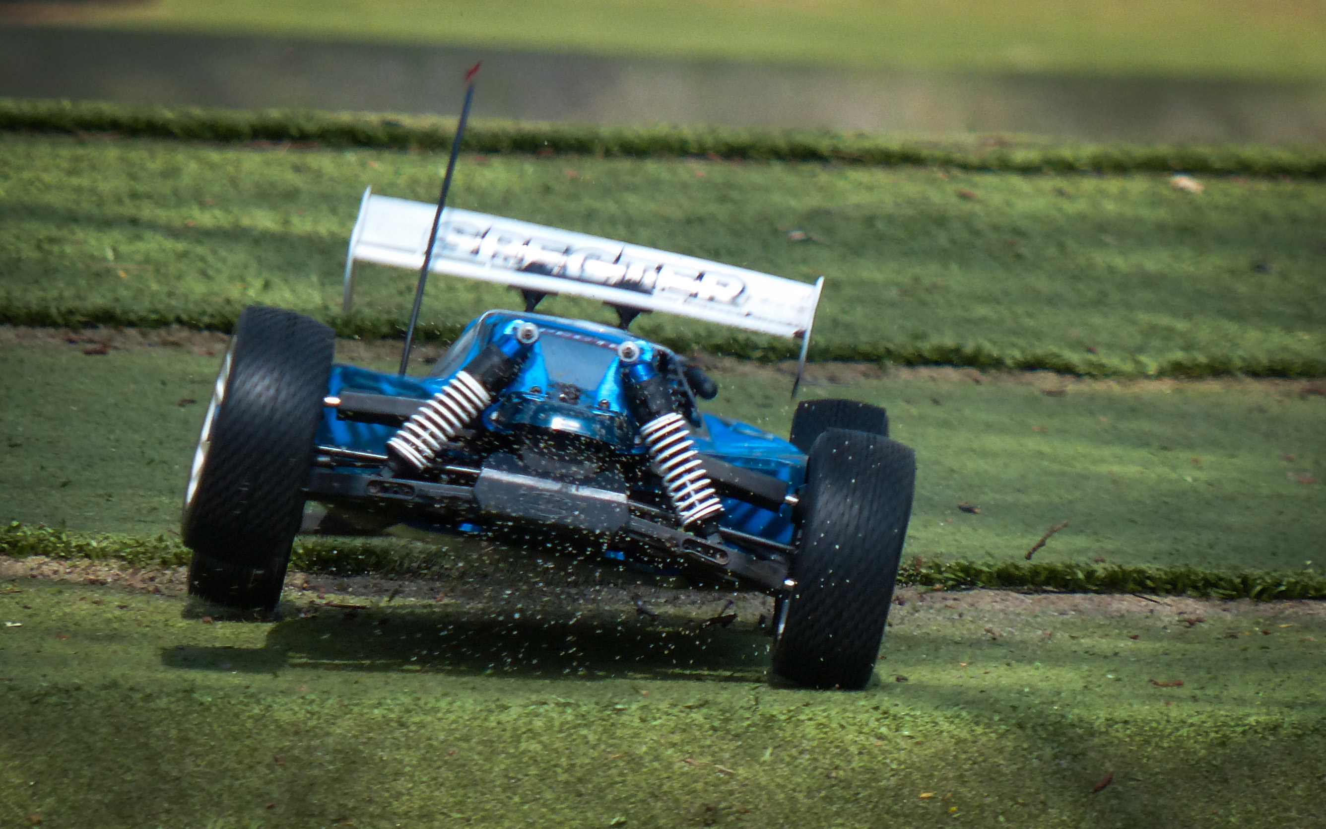 File:RC Cars @ RC Club Euregio Enschede (9475318755) jpg