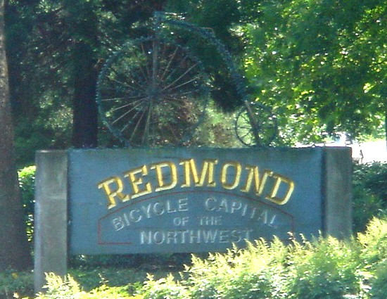 Bikes Redmond Oregon File Redmond bicycle sign jpg