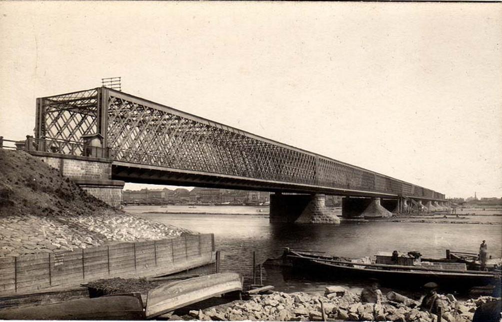 Vēsturiskas bildes un liecības - Page 2 Riga_old_iron_bridge
