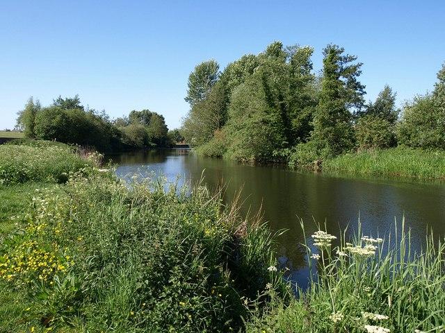 River Avon, Melksham - geograph.org.uk - 1344922