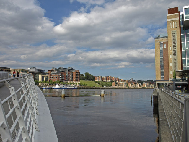 River Tyne, Gateshead - geograph.org.uk - 1447974