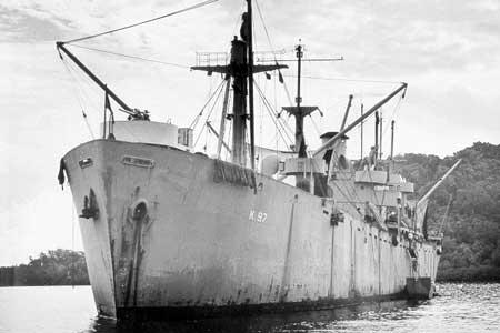 البحرية الامريكية فى الحرب العالمية الثانية  Serpens_%28AK-97%29