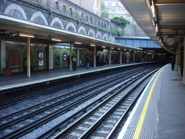 Sloane Square tube station, Eastbound Platform - geograph.org.uk - 1000455