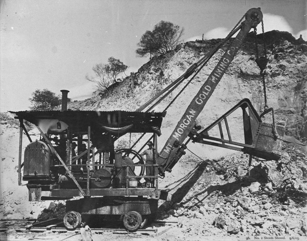 File:StateLibQld 2 290983 Steam shovel workng at Mount ...