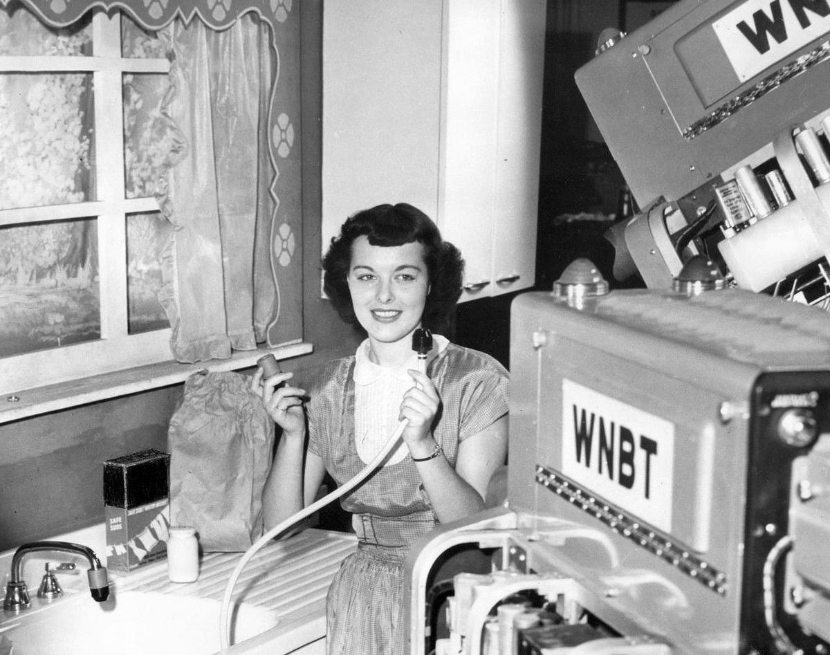 televisioncommercialbeingfilmedin1948.