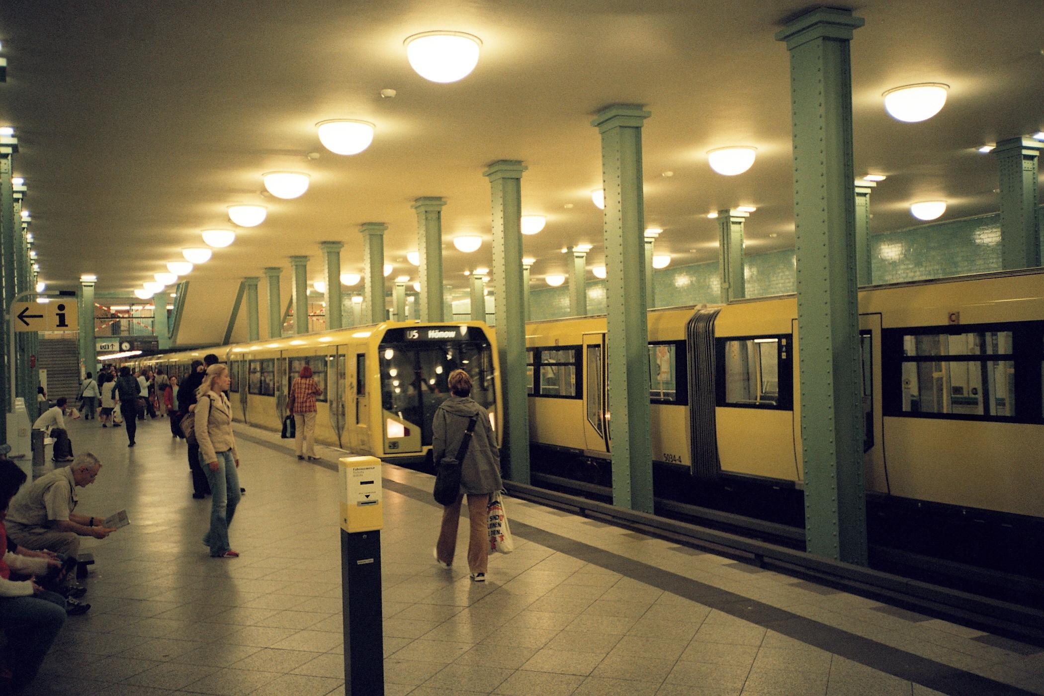 u bahnhof alexanderplatz rome - photo#19
