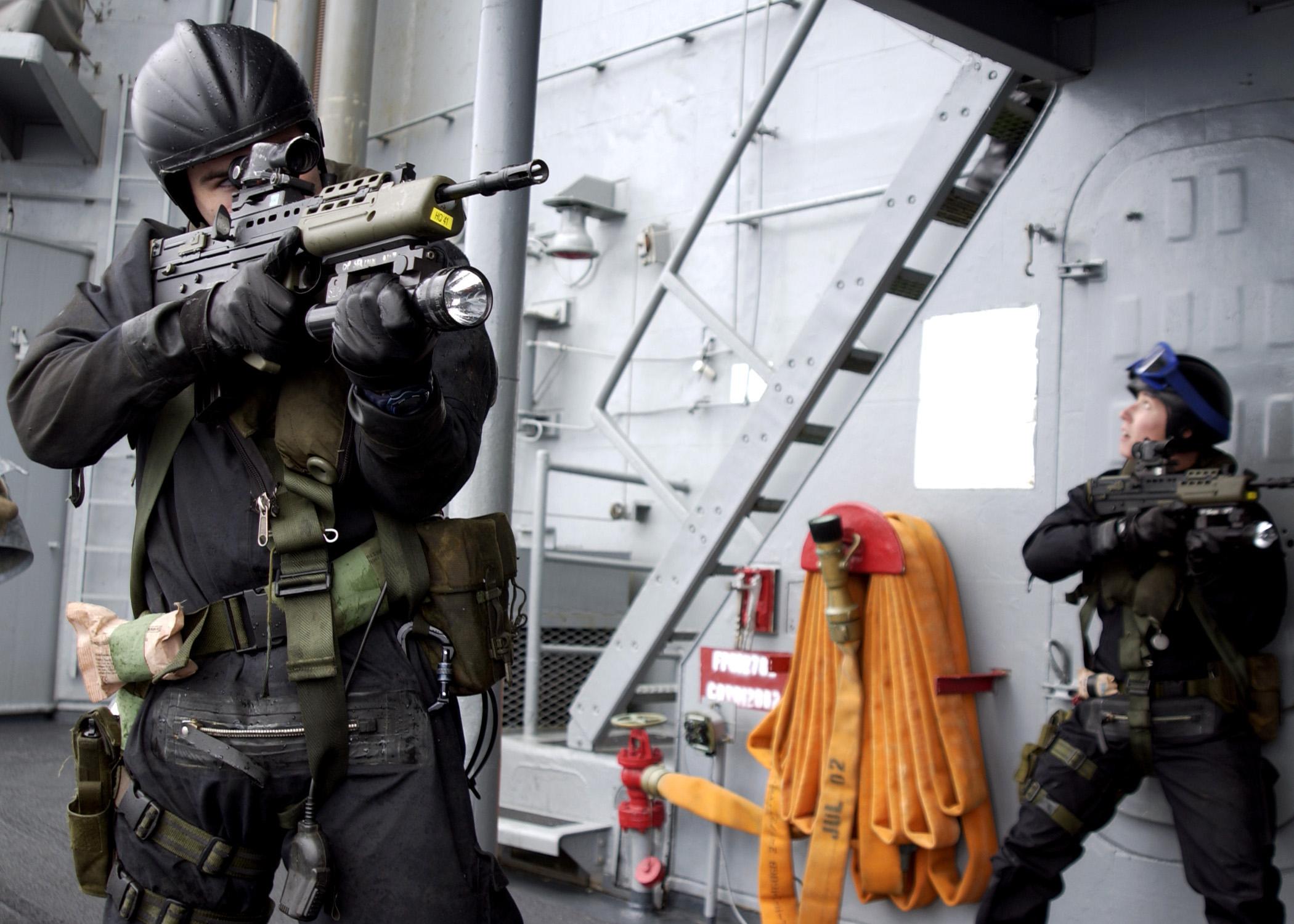 Fileus Navy 030618 N 9251b 044 A Uk Royal Marines Team Embarked