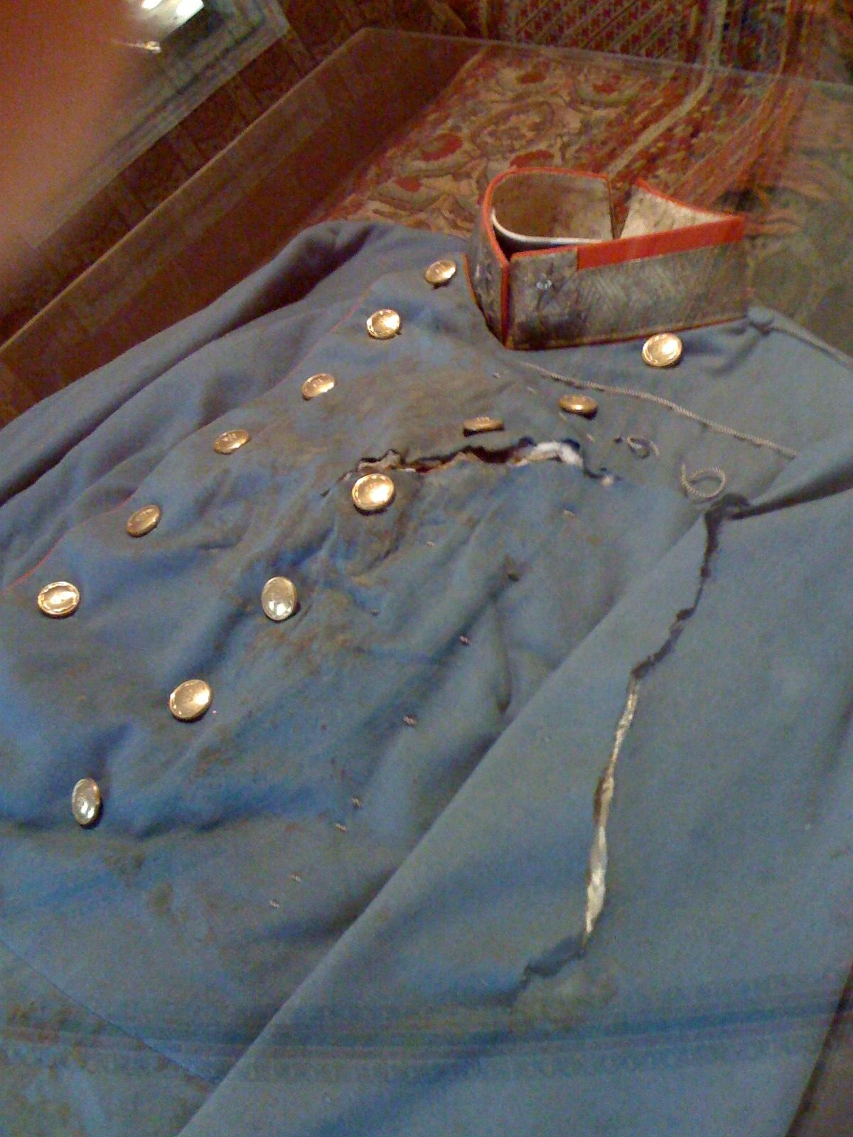 File:Uniform worn by Ferdinand when he was assassinated in Sarajevo.jpg -  Wikimedia Commons