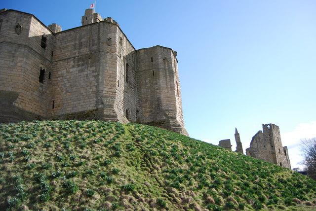 Warkworth Castle - geograph.org.uk - 1775057