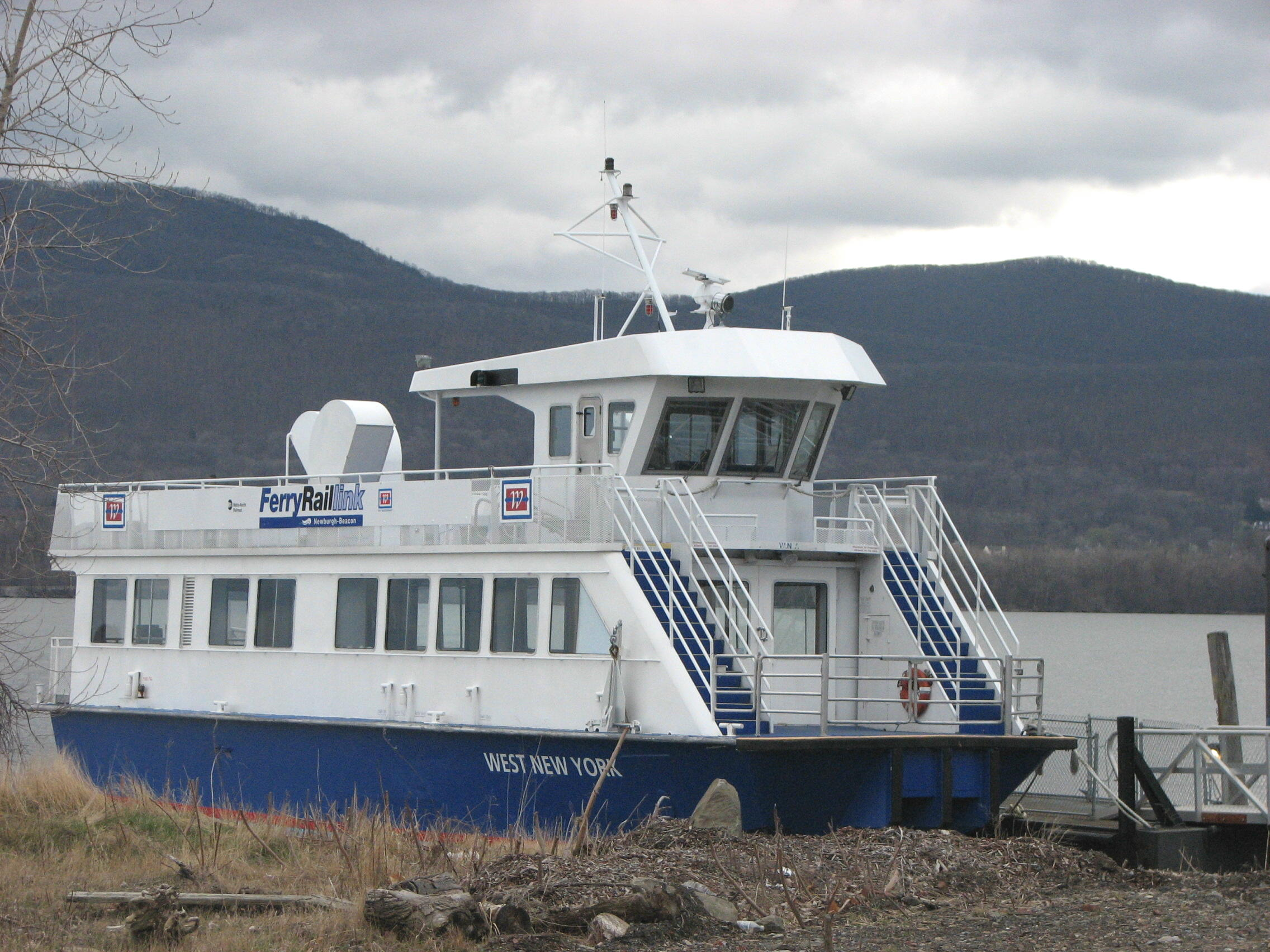 Newburgh–Beacon Ferry - Wikipedia