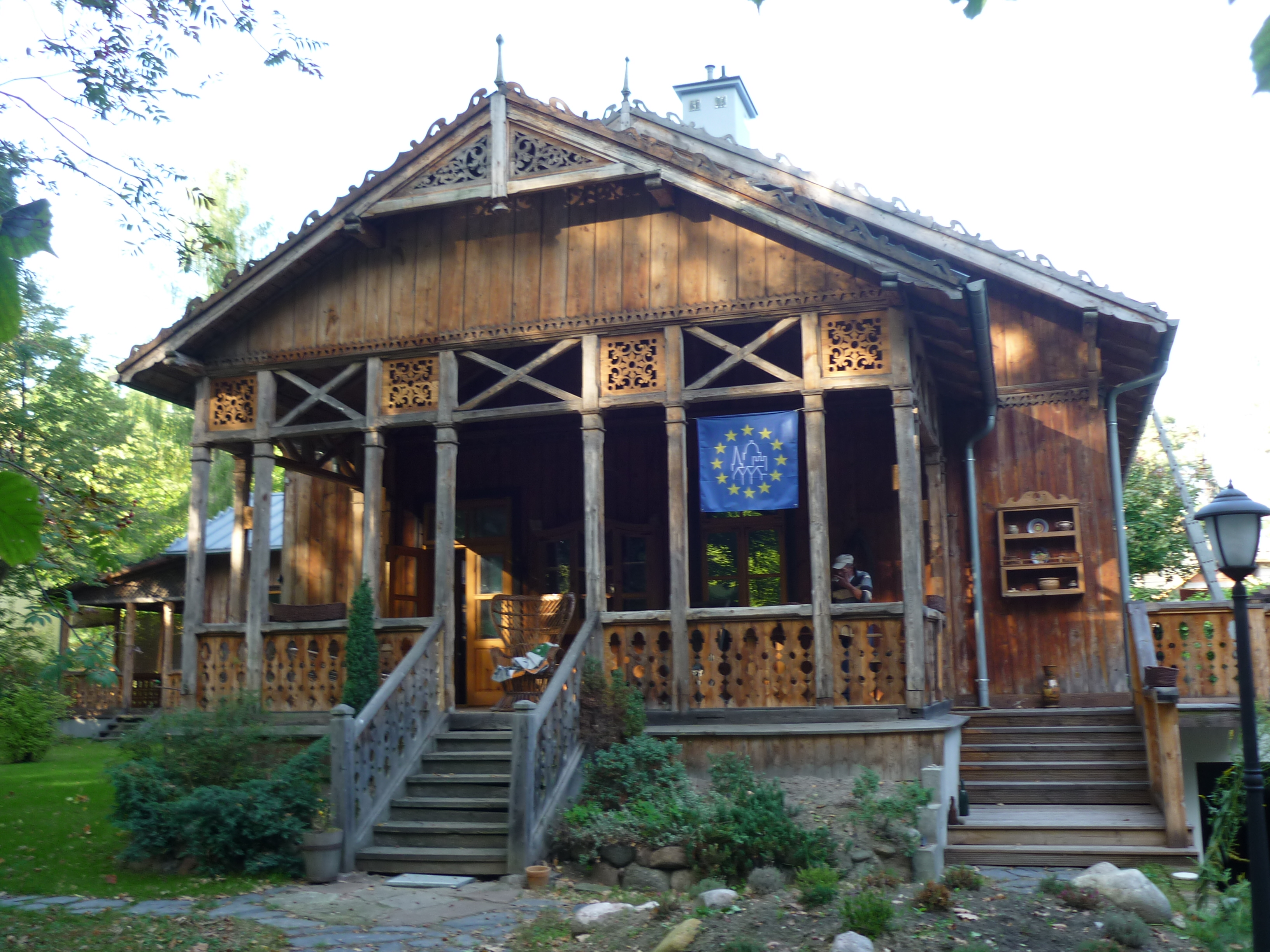 Plik:Willa Aida w Podkowie Leśnej.JPG – Wikipedia, wolna encyklopedia