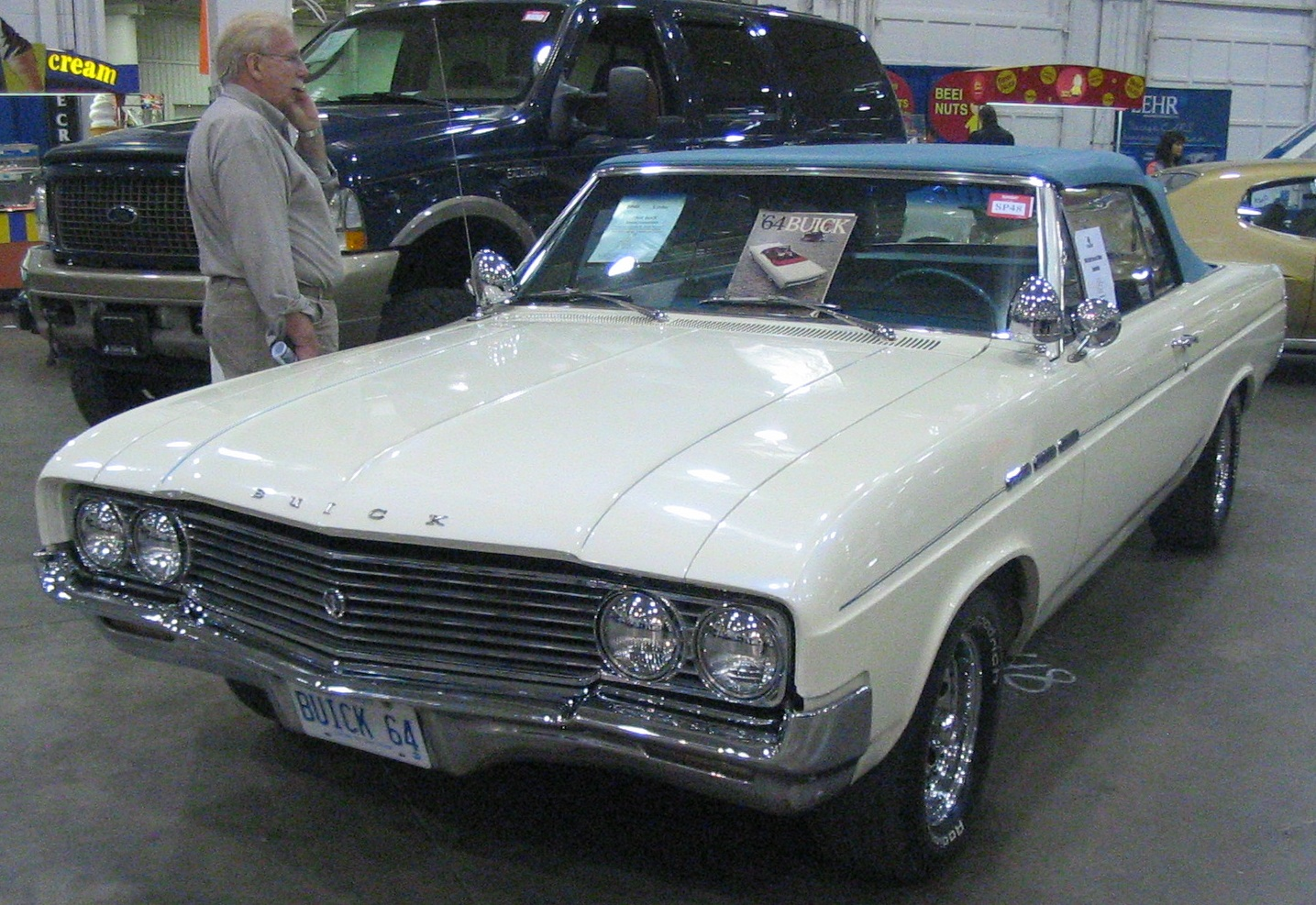 File:\'64 Buick Convertible (Toronto Spring \'12 Classic Car Auction ...