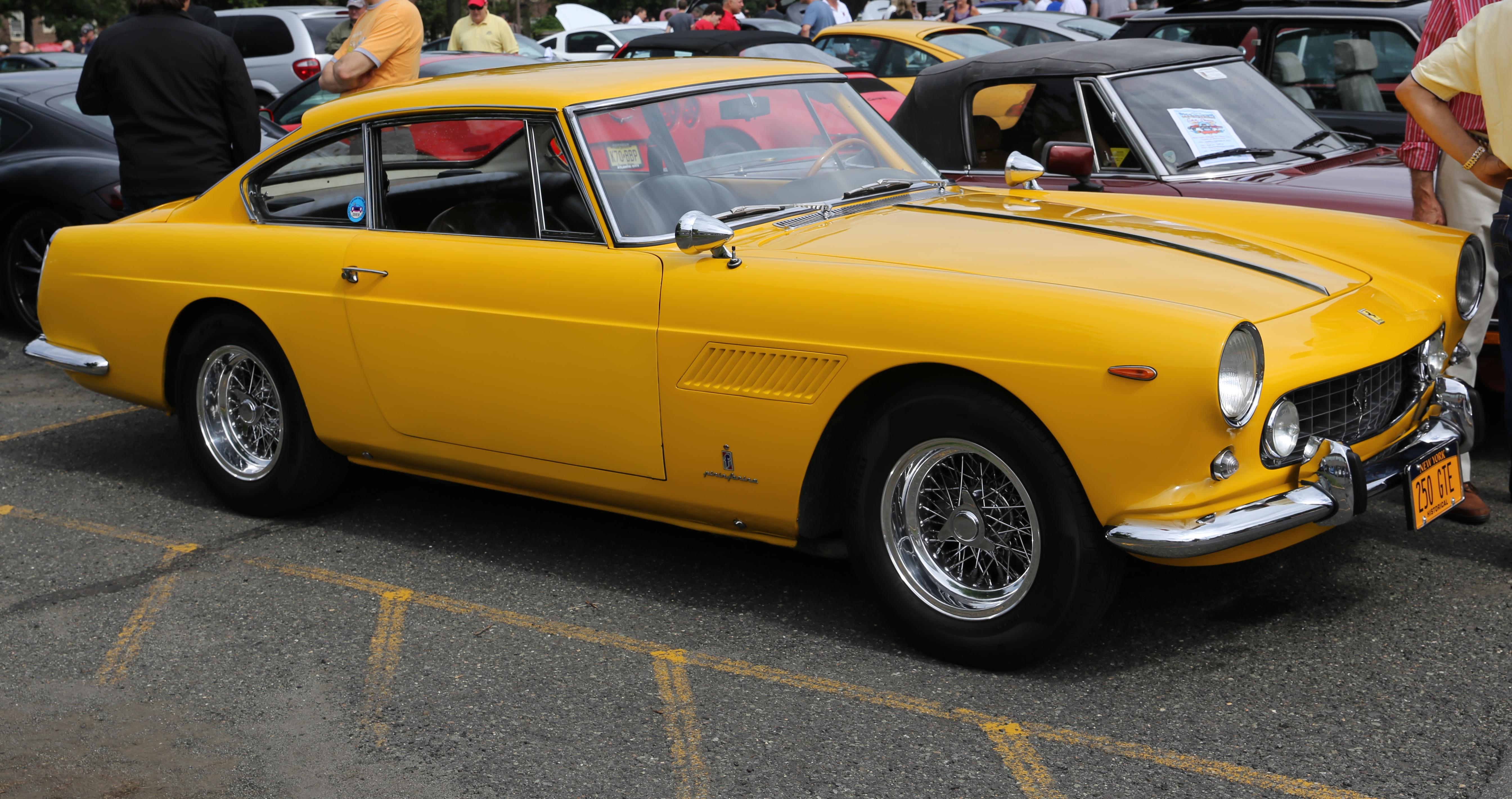 Datei 1961 Ferrari 250 Gte Front Right Jpg Wikipedia