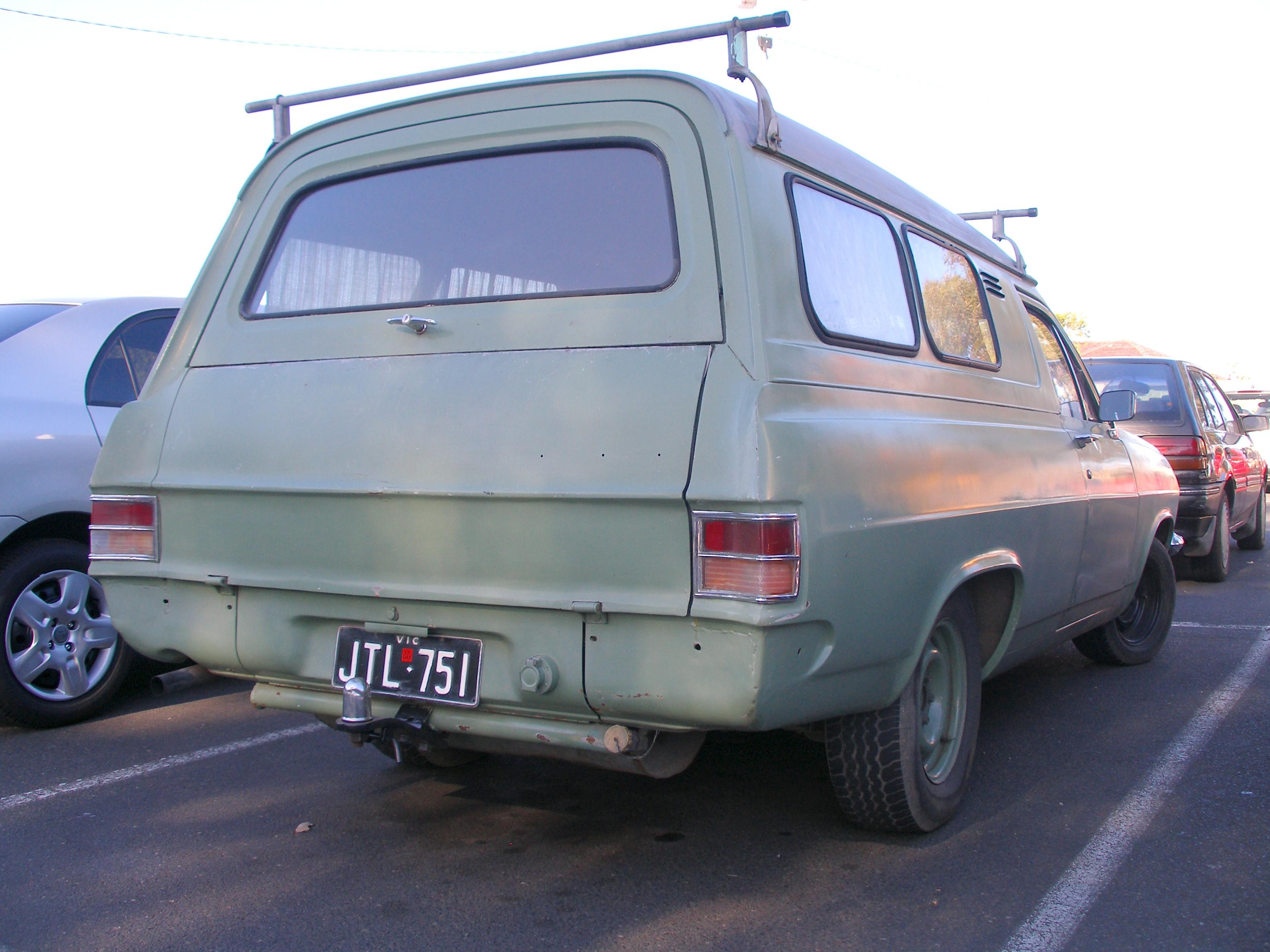 Holden Hr Wikipedia Vz Sv6 Belt Diagram Helpimg0807jpg Panel Van
