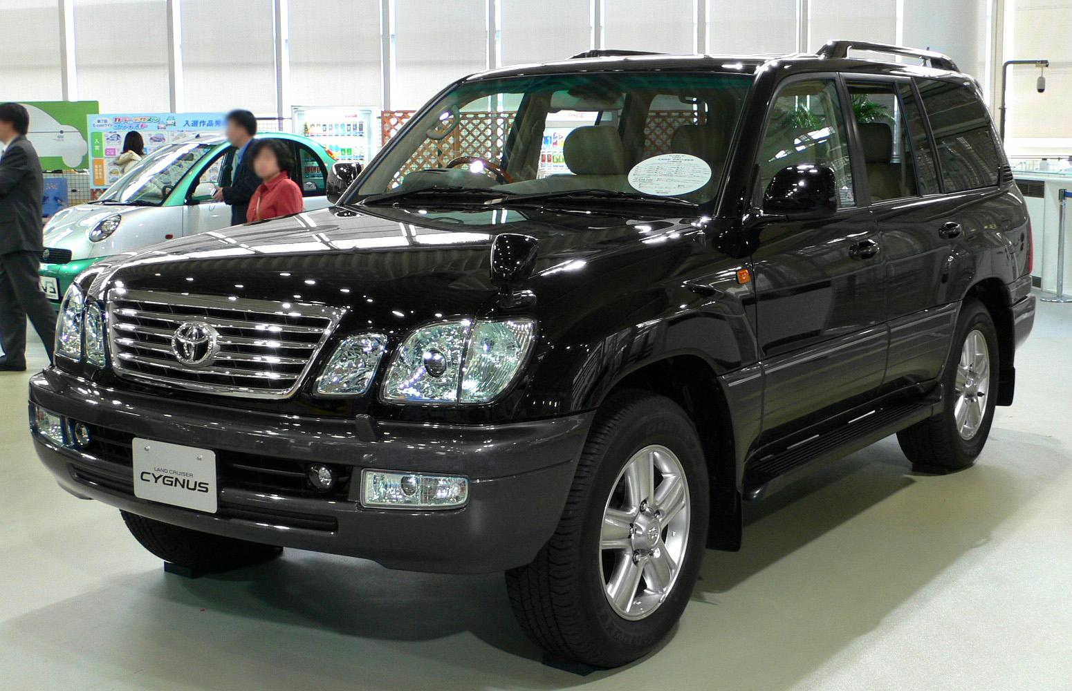 Description 2005 Toyota Land Cruiser-cygnus 02.jpg