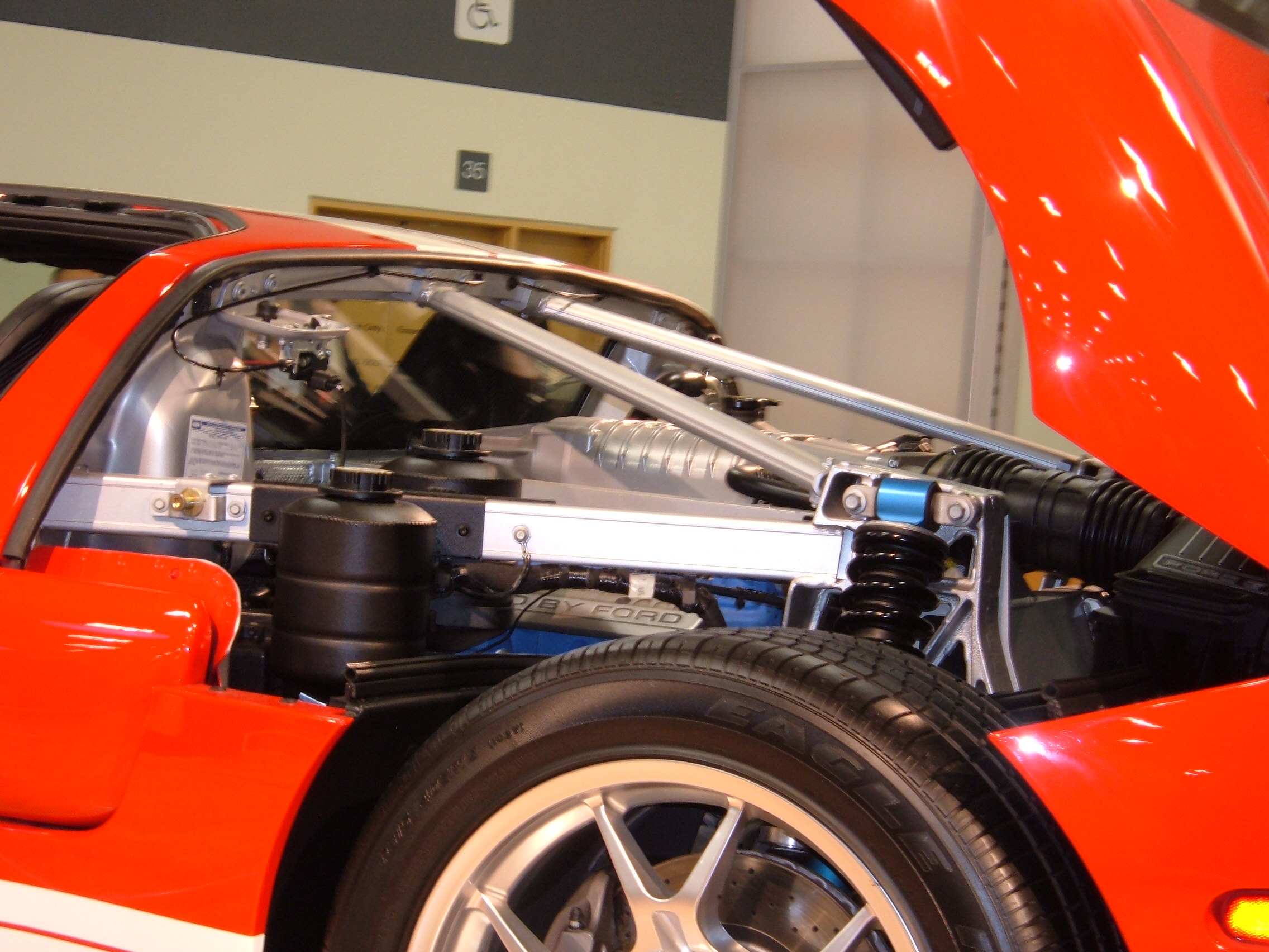 File Red Ford Gt Engine Jpg
