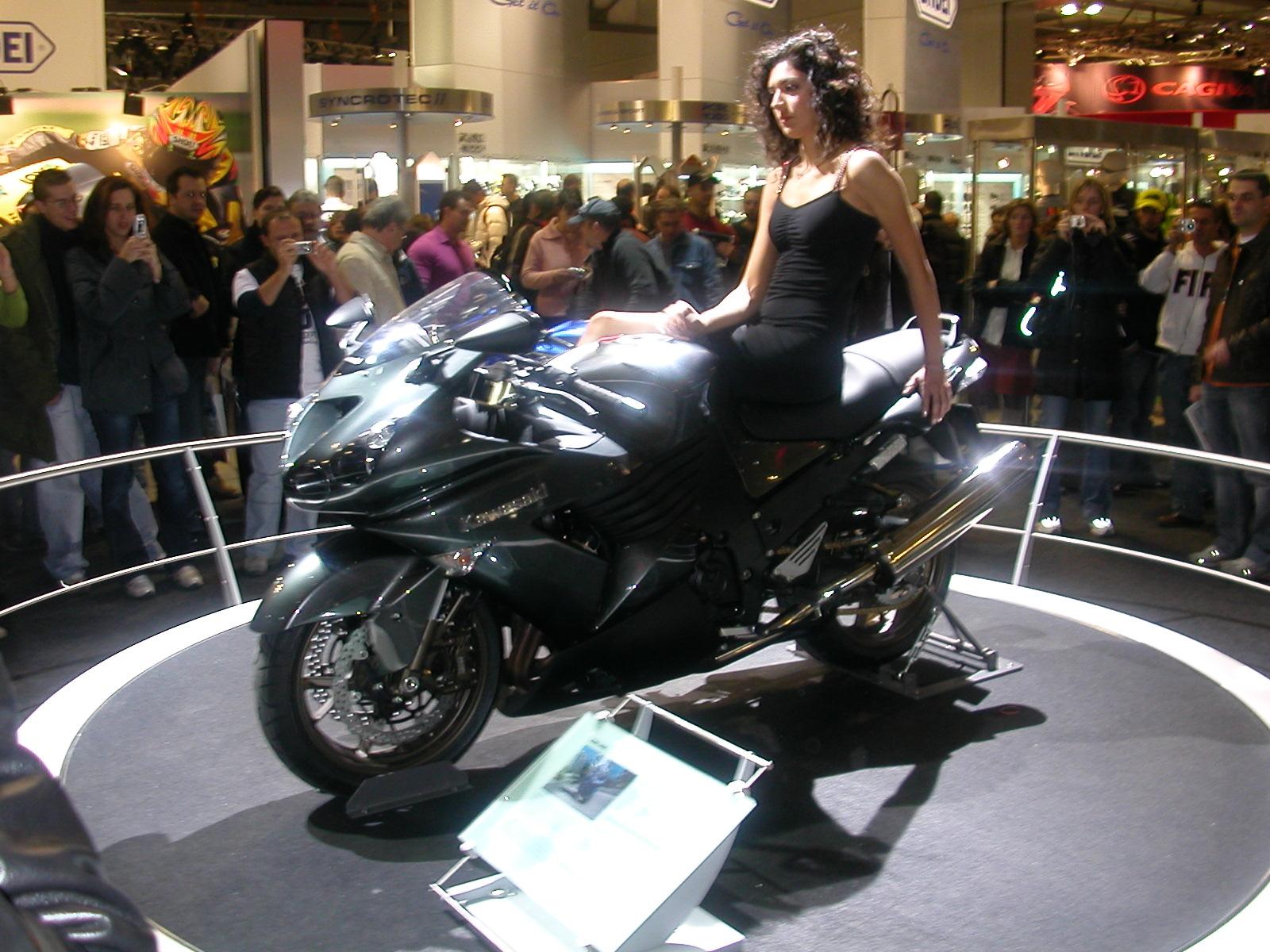 Kawasaki   Ltd Top Speed