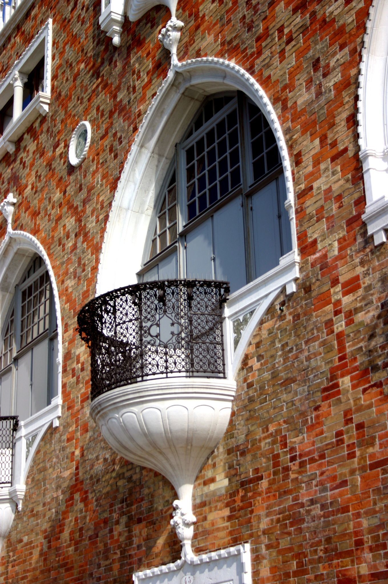File 5829 venezia giudecca mario de maria casa dei for Casa revival gotica
