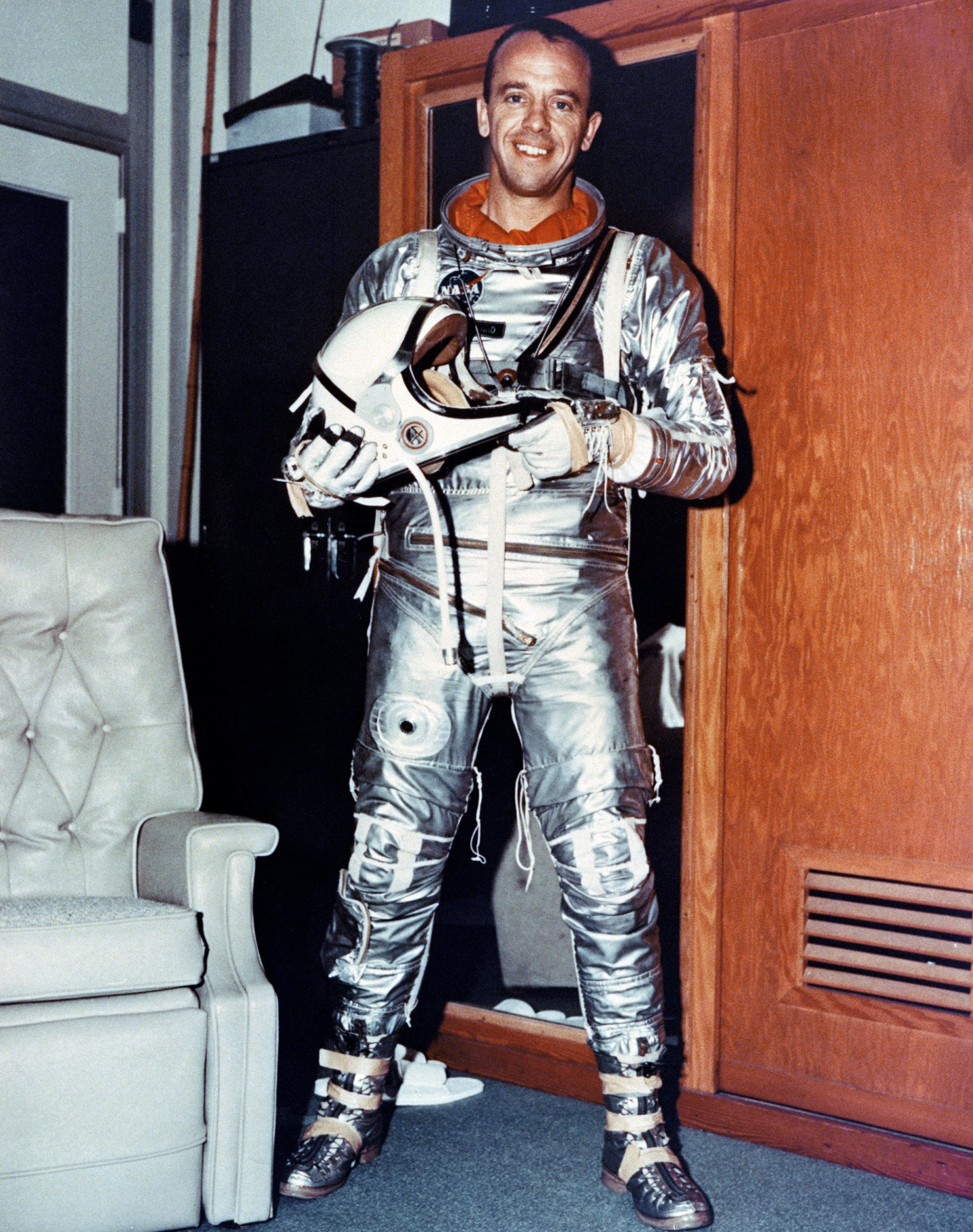 oldest original astronaut - photo #11