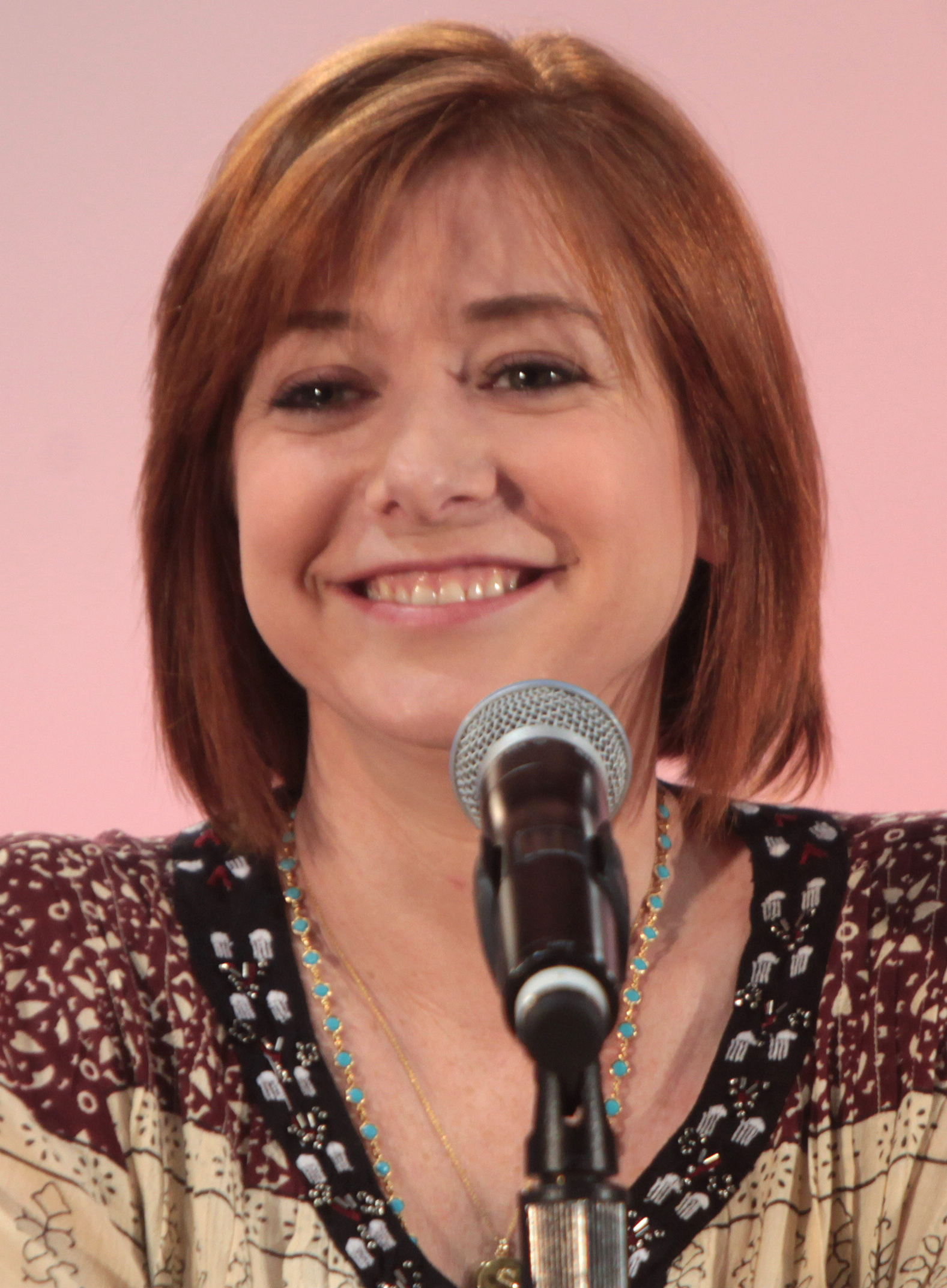 The 46-year old daughter of father (?) and mother(?) Alyson Hannigan in 2020 photo. Alyson Hannigan earned a 0.22 million dollar salary - leaving the net worth at 18 million in 2020