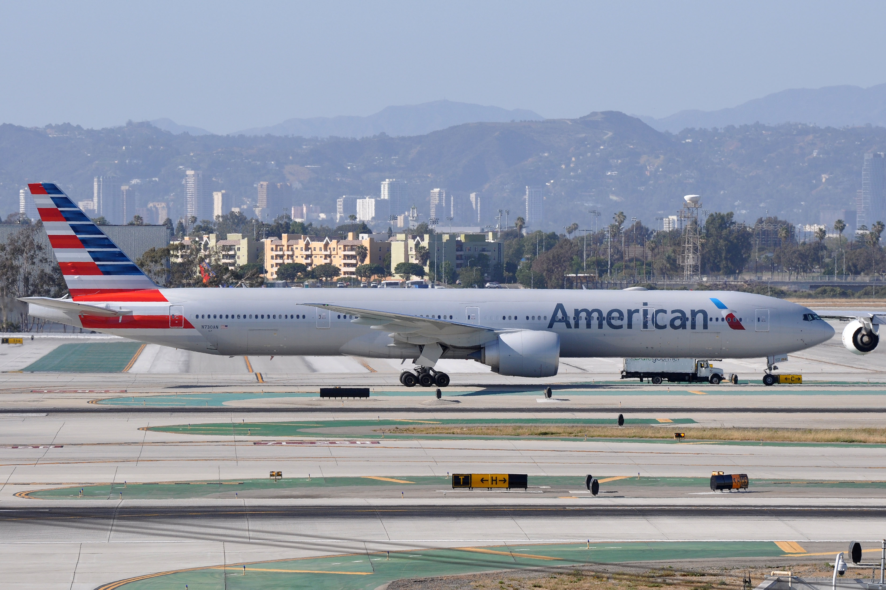 American Airlines Check In Time Lax Wiring Diagrams Simulated Inductor Circuit Diagram Tradeoficcom File Boeing 777 323 Er N730an Rh Commons Wikimedia Org Gates