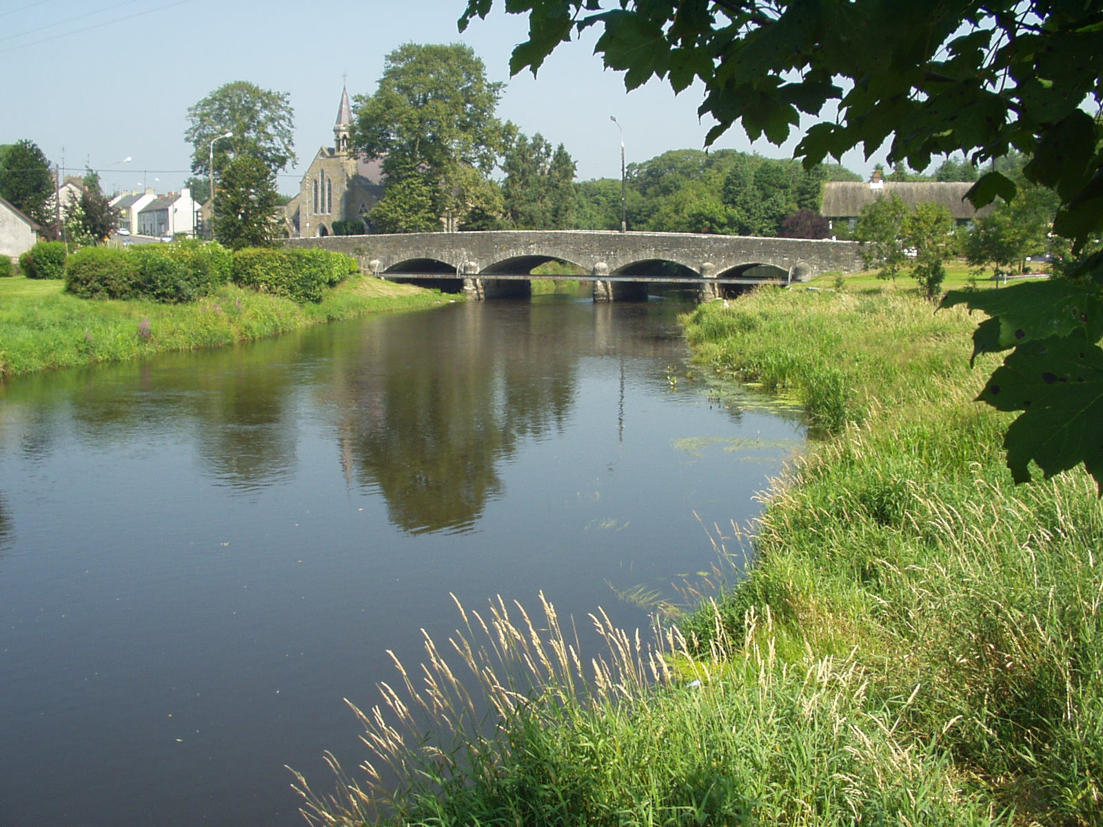 Annalee river, Butlersbridge, Cavan Aug 2003.jpg