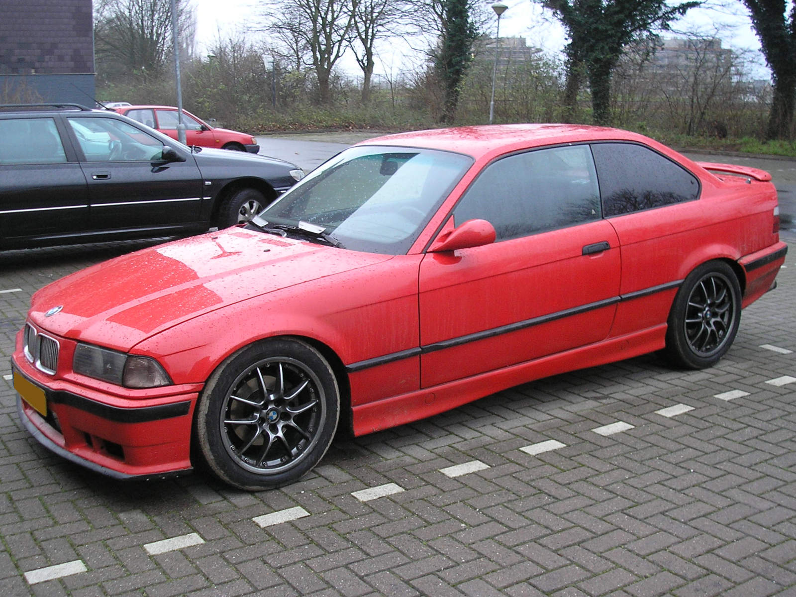 FileBMW 318iS Coupe 1992 Frontleft