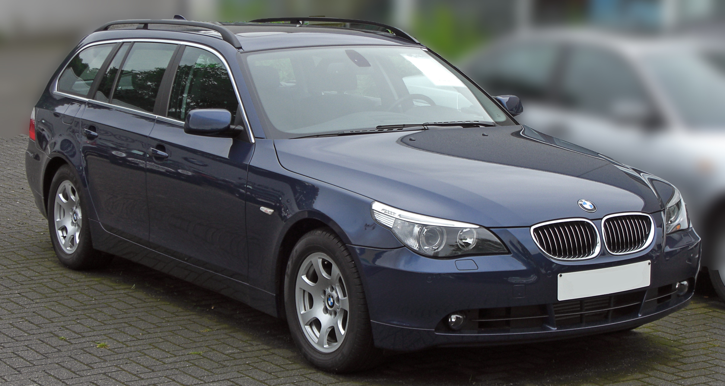 file bmw 5er touring e61 front 1 jpg wikimedia commons. Black Bedroom Furniture Sets. Home Design Ideas