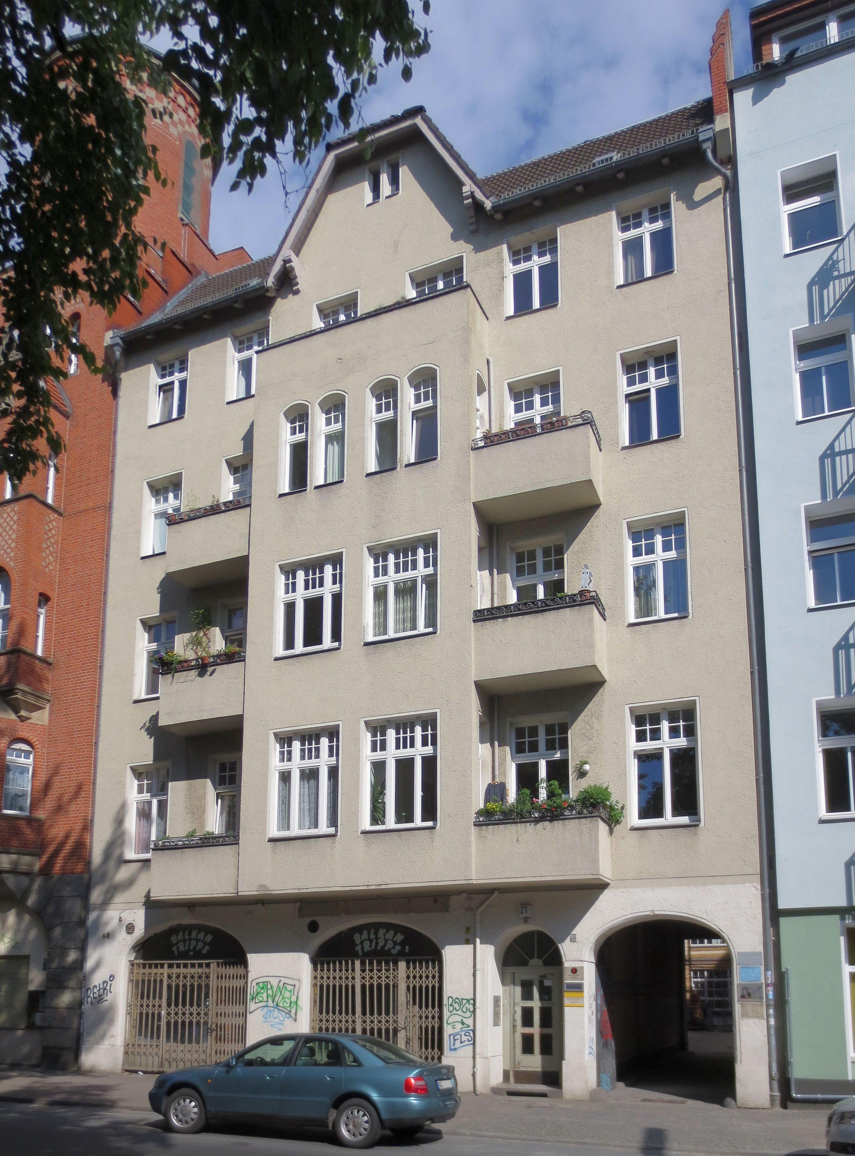 datei berlin kreuzberg glogauer strasse 21 mietshaus mit wikipedia. Black Bedroom Furniture Sets. Home Design Ideas