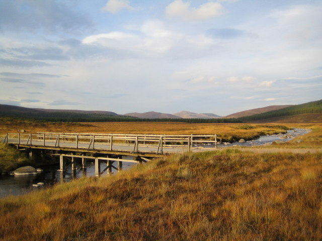 Bridge over the River Muick near the Spittal of Glenmuick - geograph.org.uk - 576746