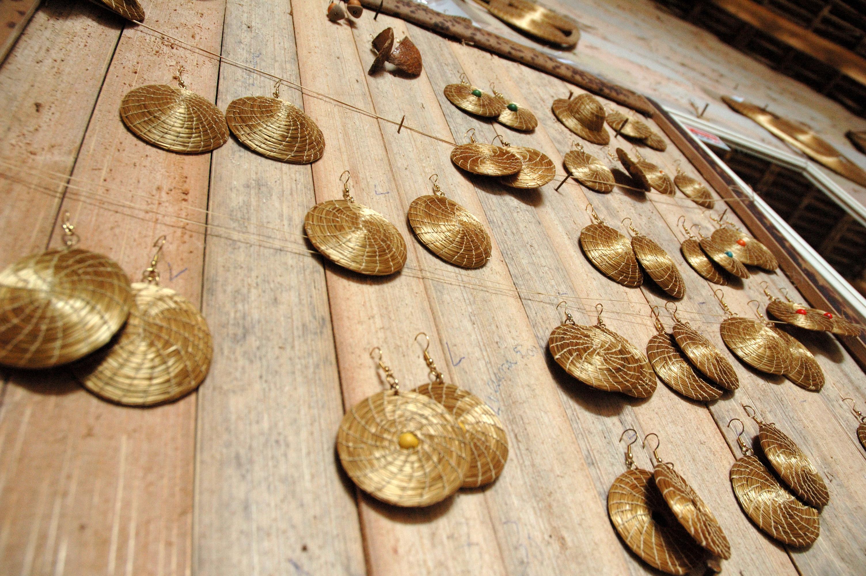 Adesivo Levanta Mama Onde Comprar ~ Ficheiro Brincos de Capim Dourado jpg u2013 Wikipédia, a enciclopédia livre