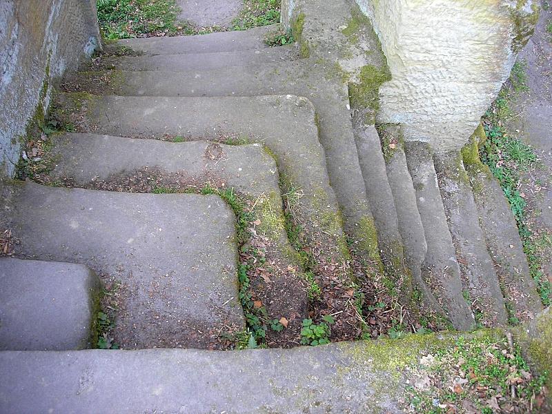 File:Burg Rotenhan 10.jpg