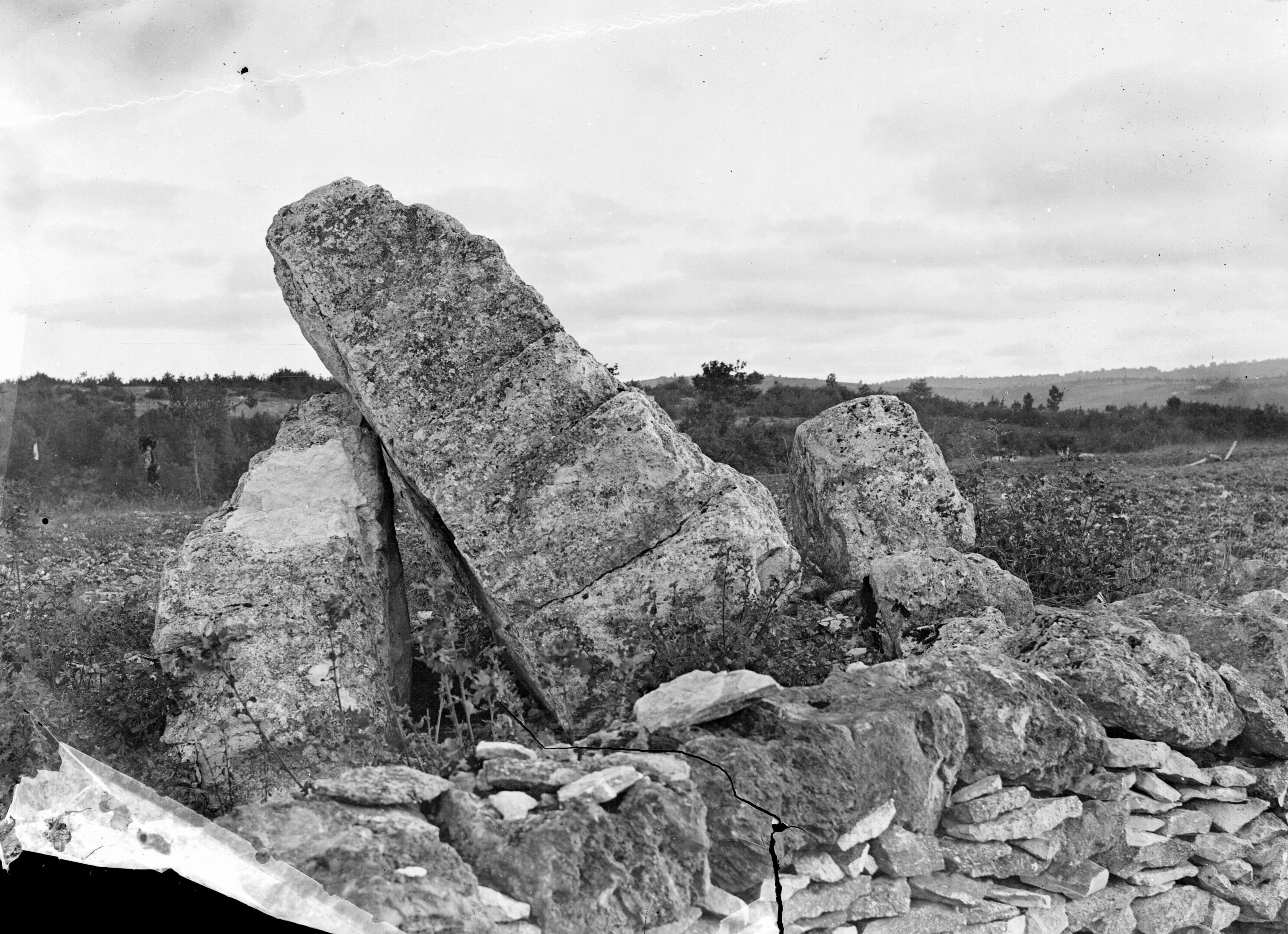 File:Cahuzac, dolmen du Verdier, septembre 1891 (Tarn) (8551445570 ...