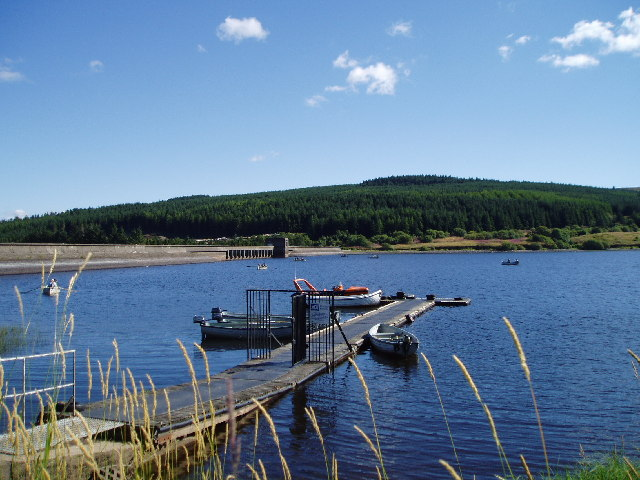 Carron Valley Reservoir Dam - geograph.org.uk - 40354