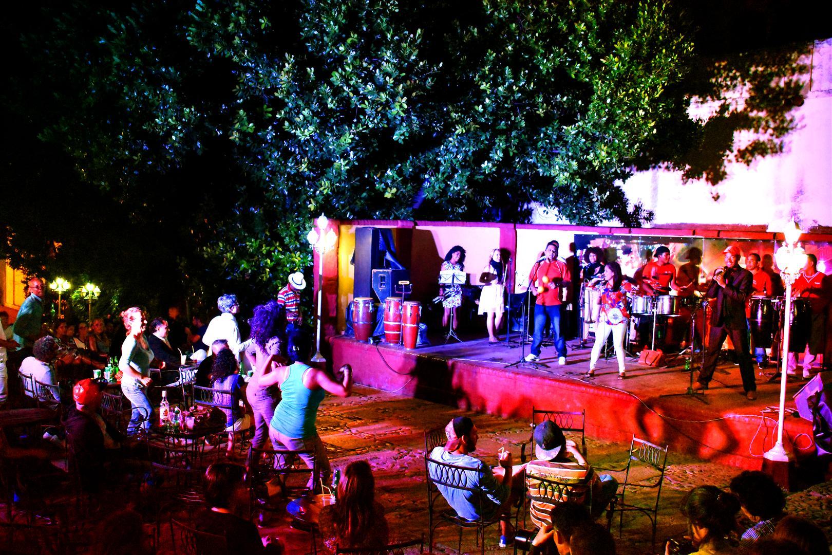 File casa de la m sica trinidad cuba octubre de 2016 for Piscitelli casa de musica