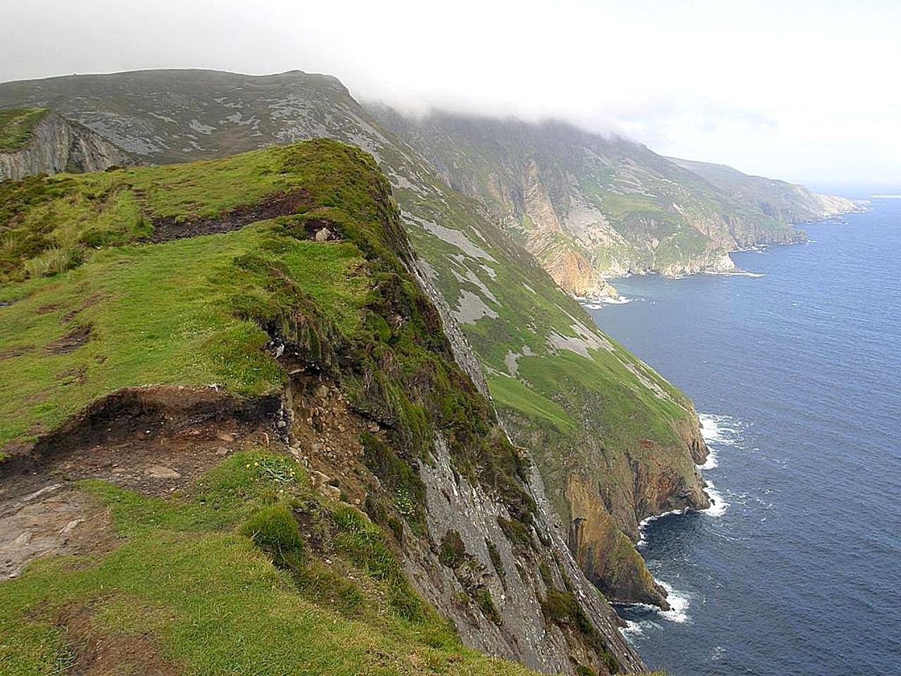 File:Cliffs ocean slieve league.jpg - Wikimedia Commons: https://commons.wikimedia.org/wiki/File:Cliffs_ocean_slieve_league.jpg