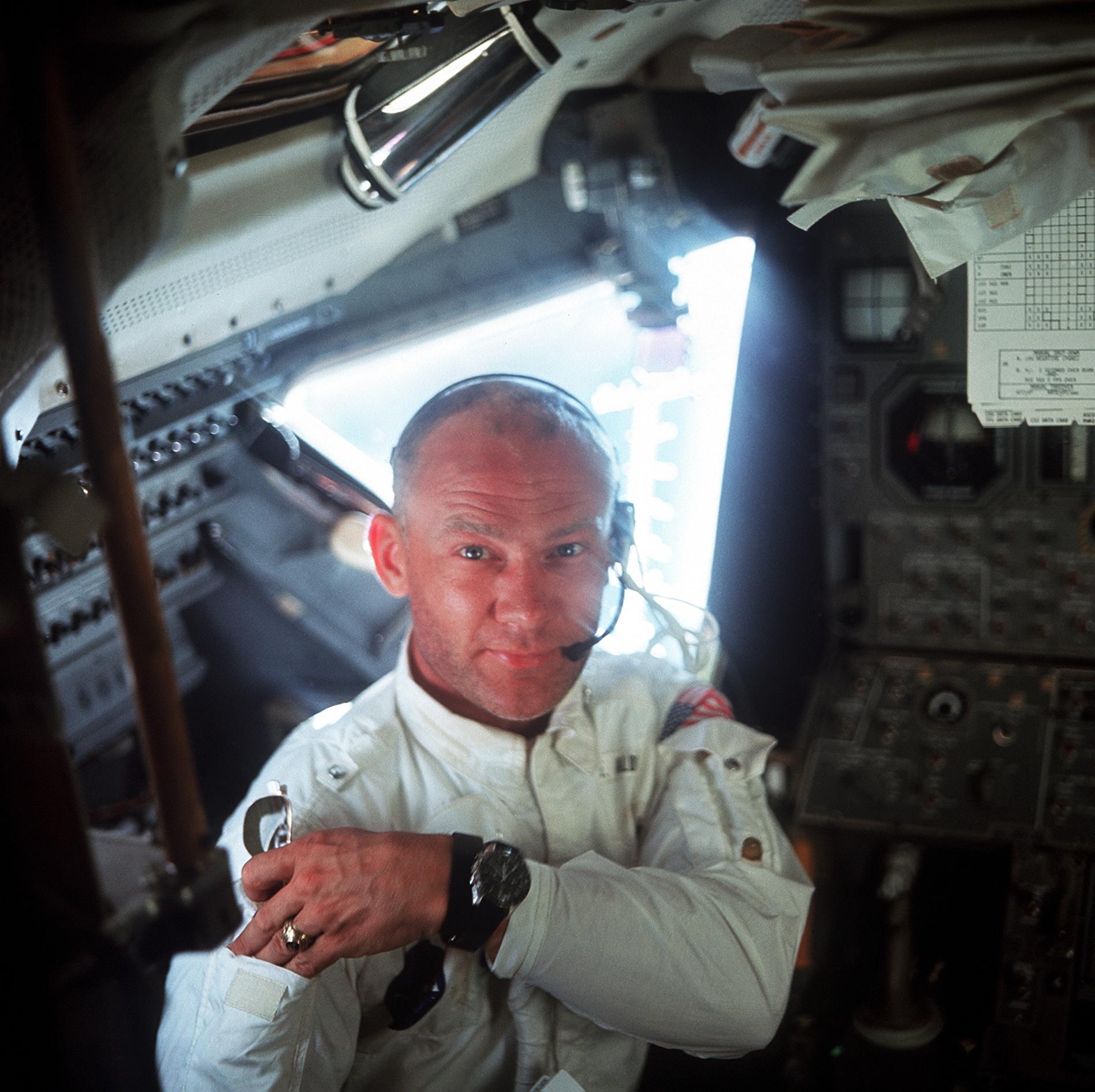 buzz armstrong astronaut - photo #33