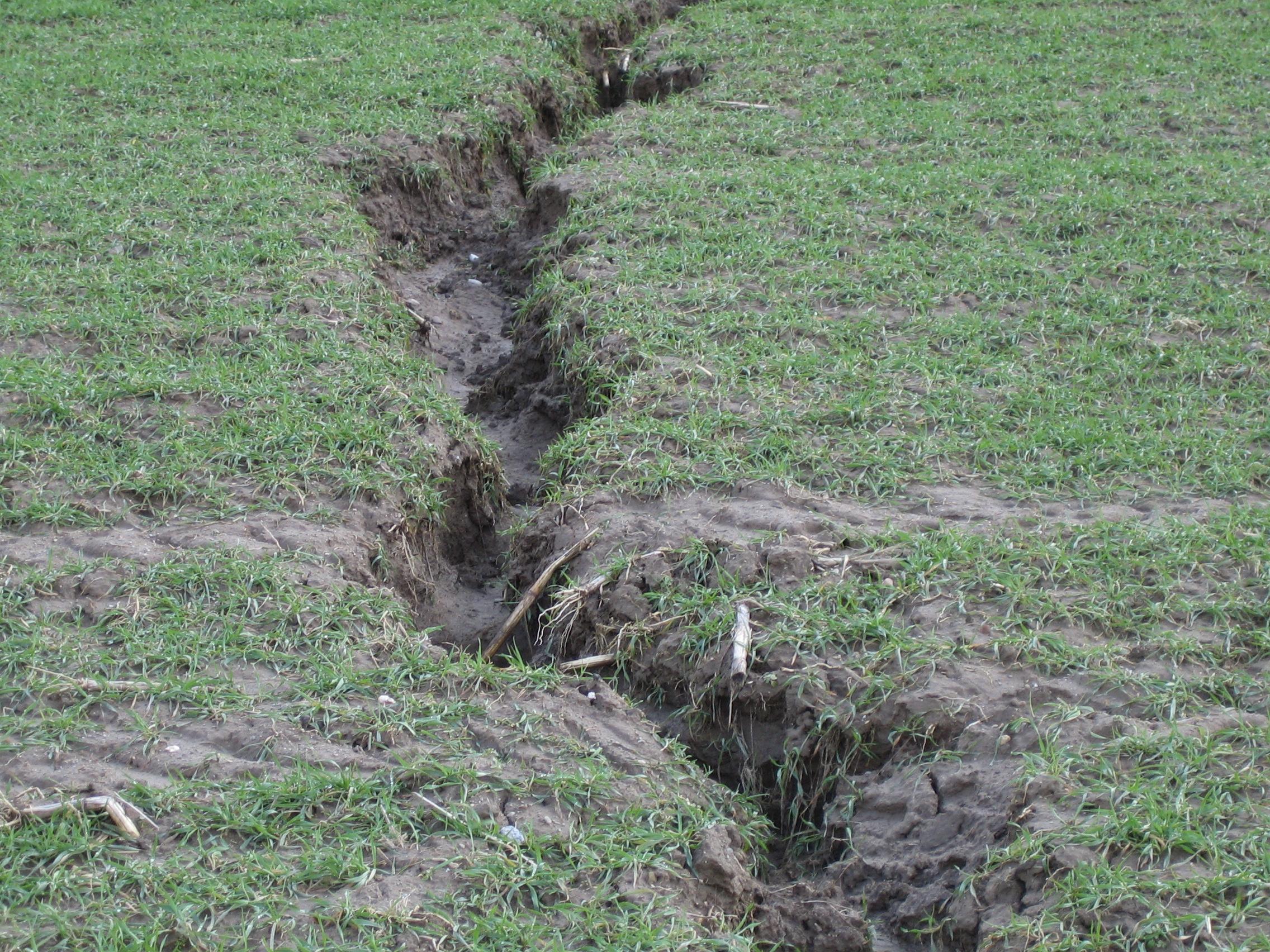 File erosion rinnen009 jpg wikimedia commons for Soil wikipedia