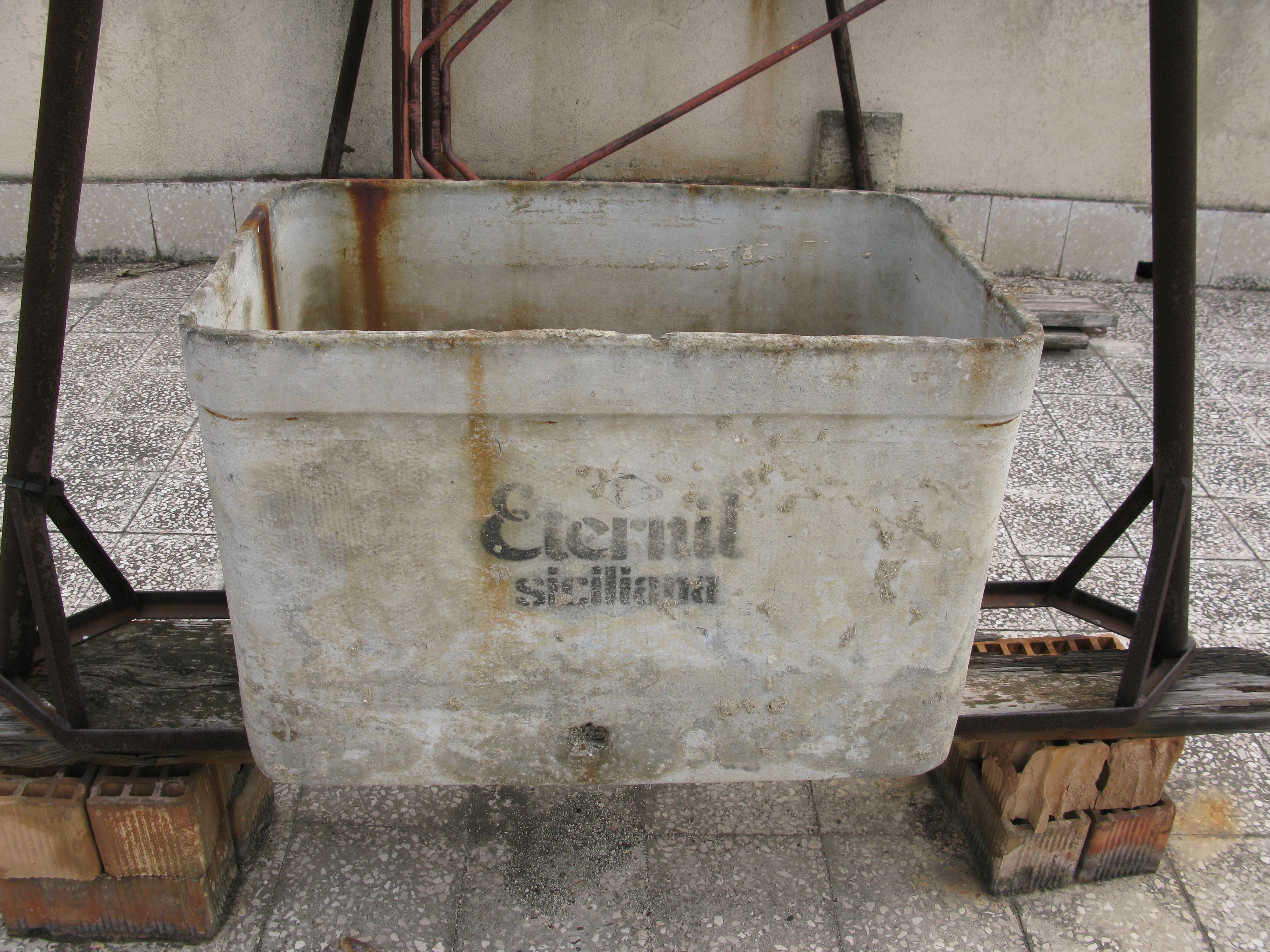 Water Tank Asbestos : File eternit water tank september g wikimedia