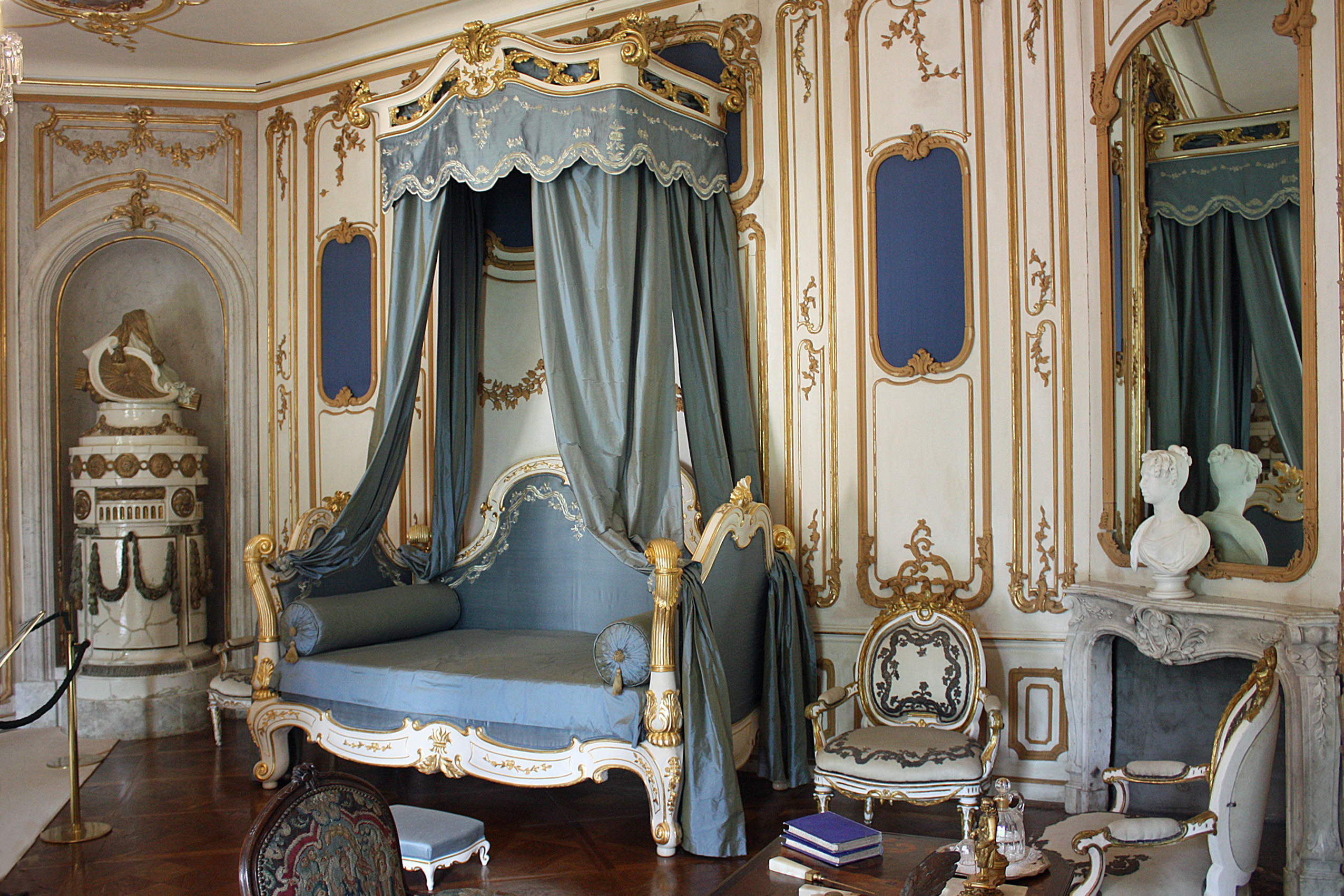 file fert d ch teau esterhaza bedroom of the prince jpg wikimedia commons
