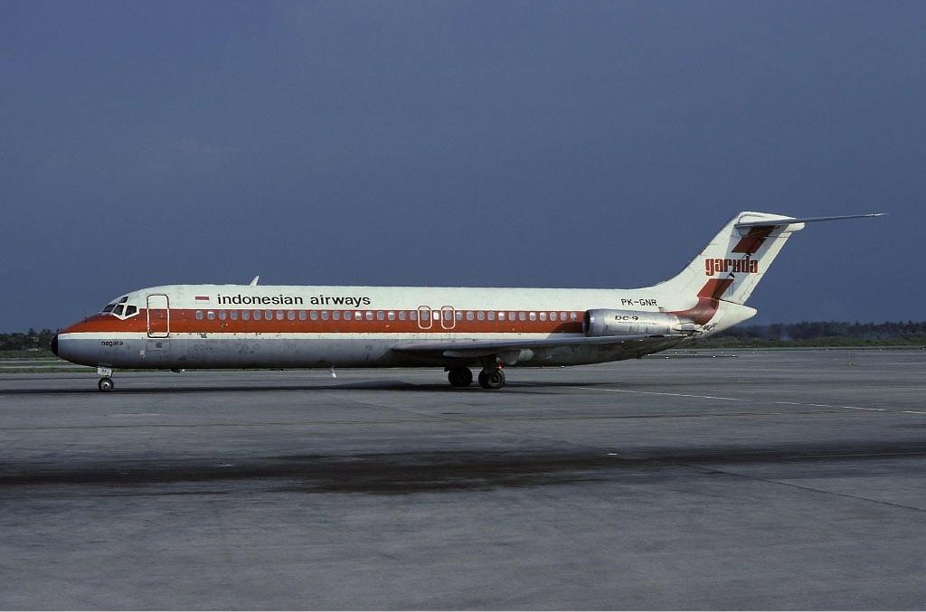 Garuda_McDonnell_Douglas_DC-9-32_Wallner