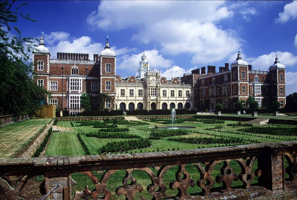 hatfield house wikipedia