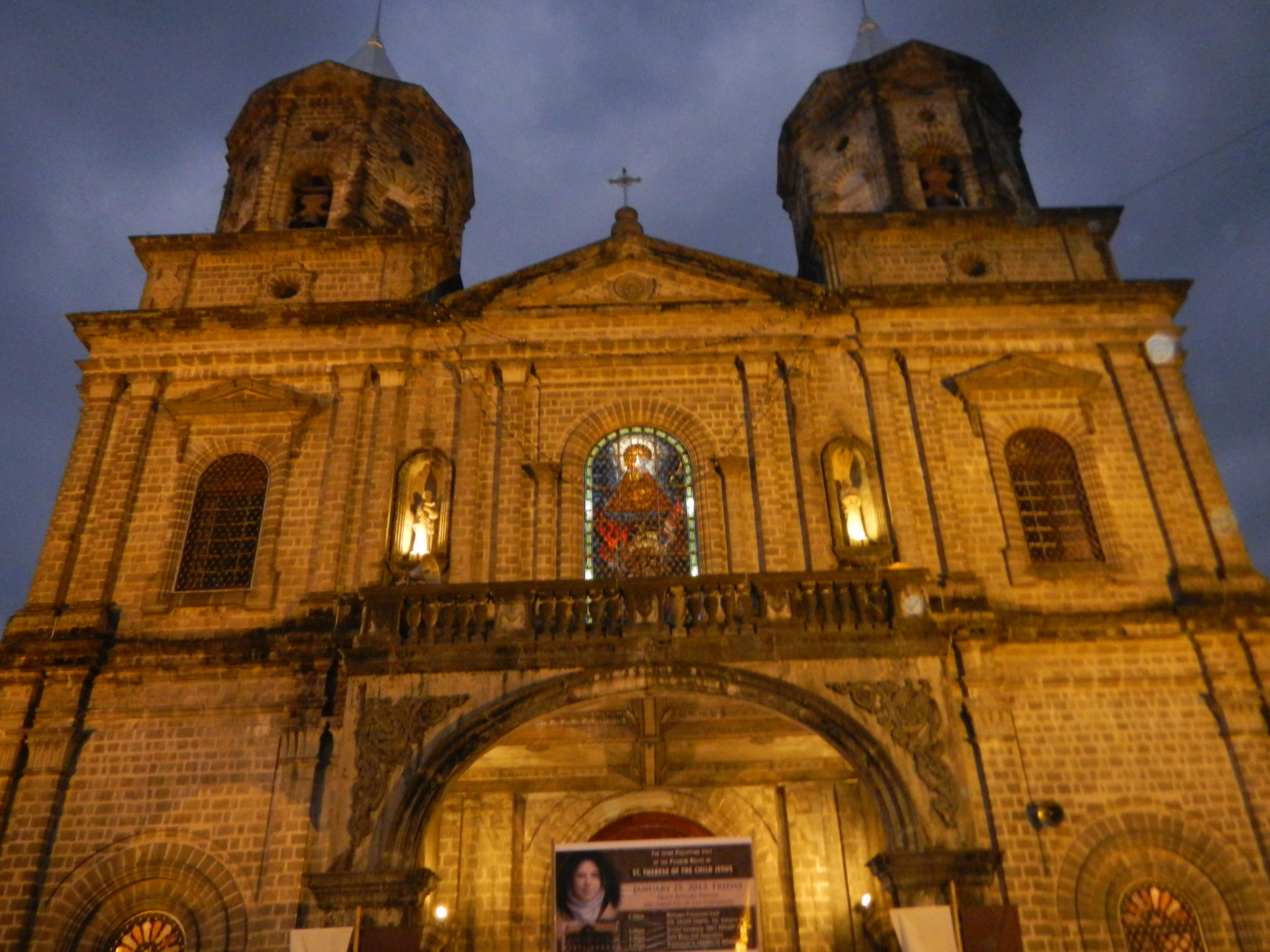 File:Holy Rosary Parish Church (Angeles City, Pampanga).jpg