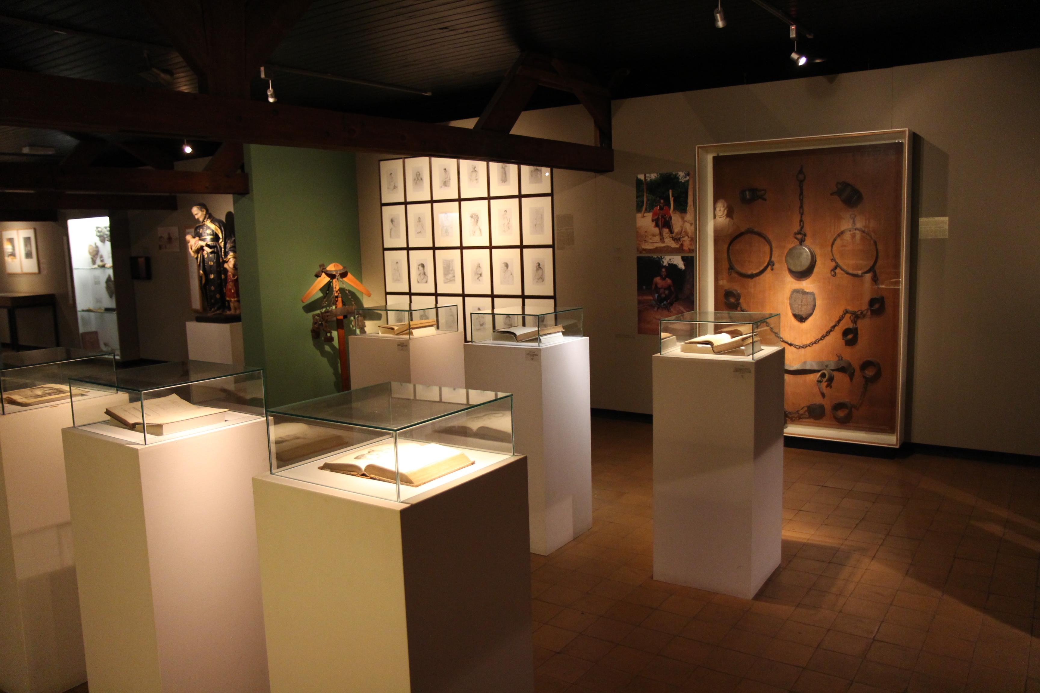 File:Interieur Museum Dr. Guislain Geschiedenis van de psychiatrie ...