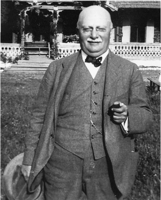 József Vészi.png