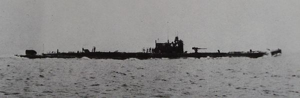 http://upload.wikimedia.org/wikipedia/commons/e/e7/Japanese_submarine_I51_1924.jpg