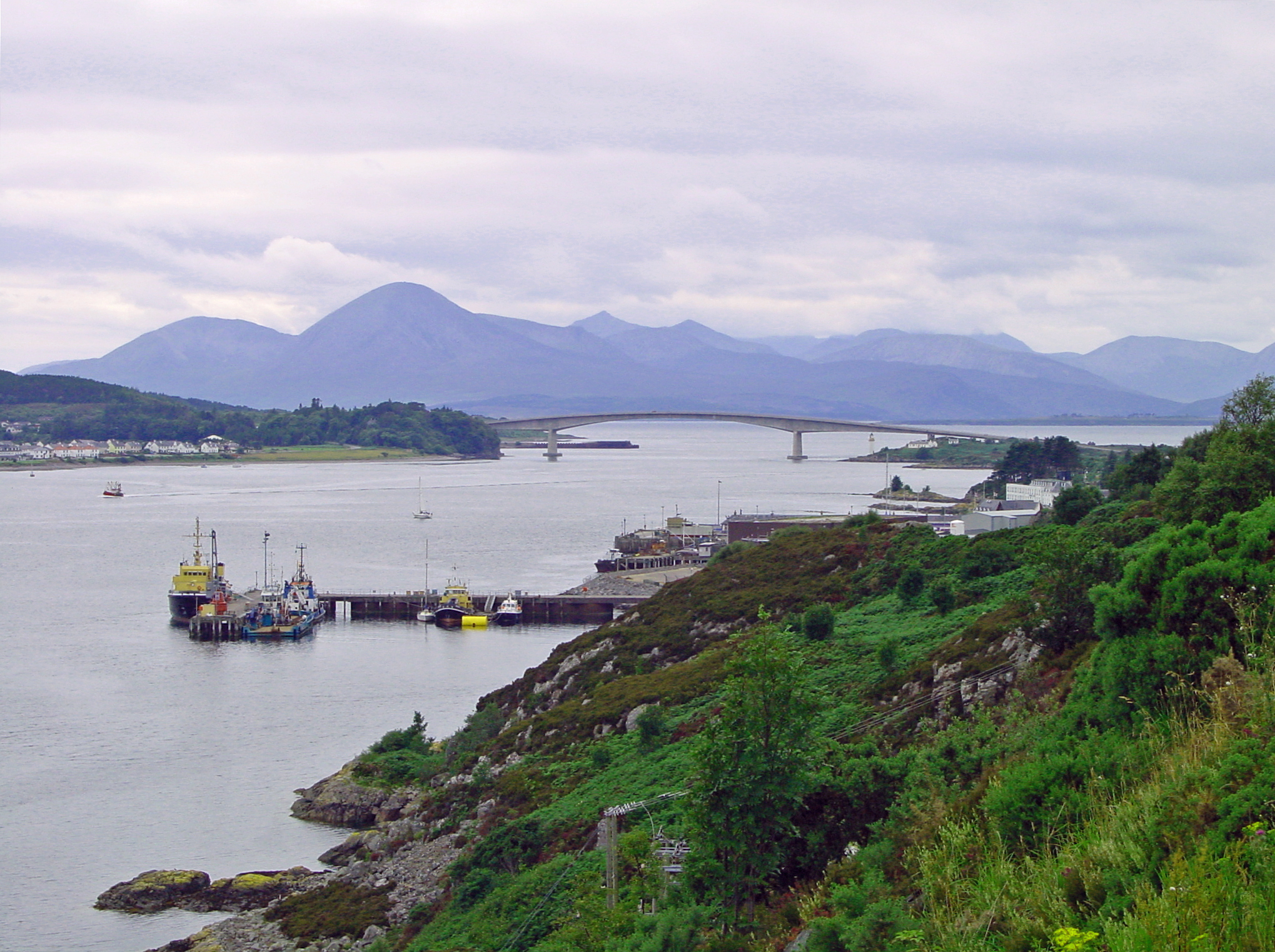 Hotels Near Skye Bridge