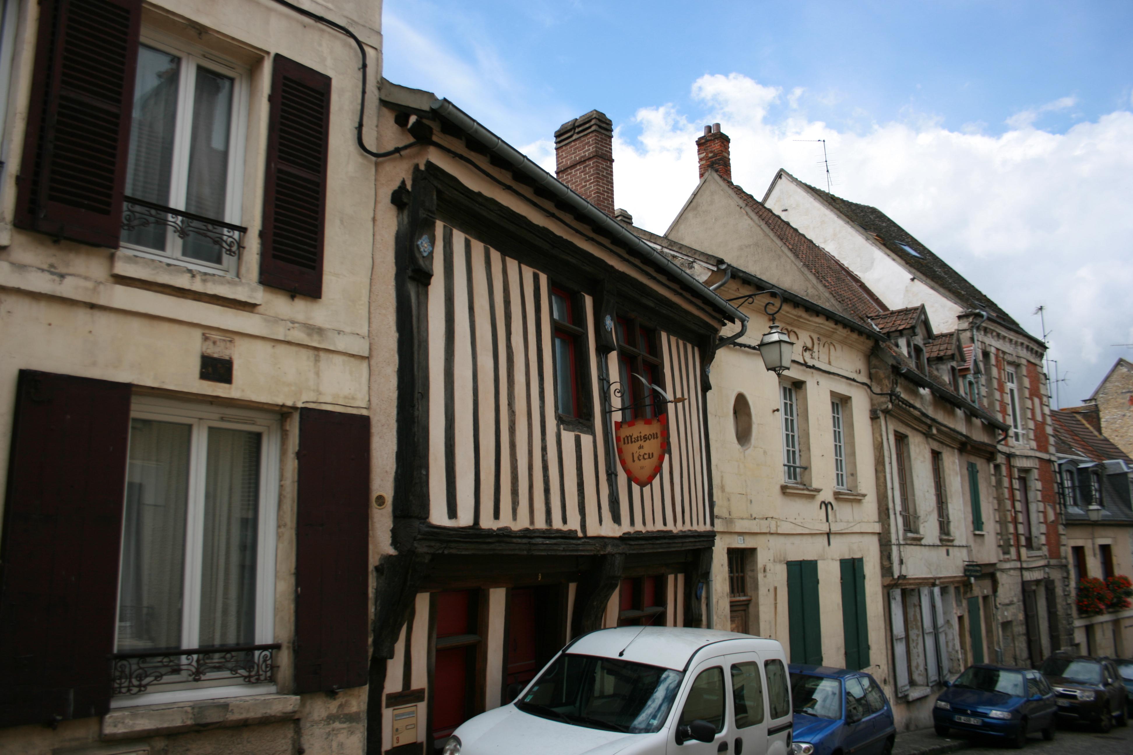 Le Vieil Ecu Restaurant Paris